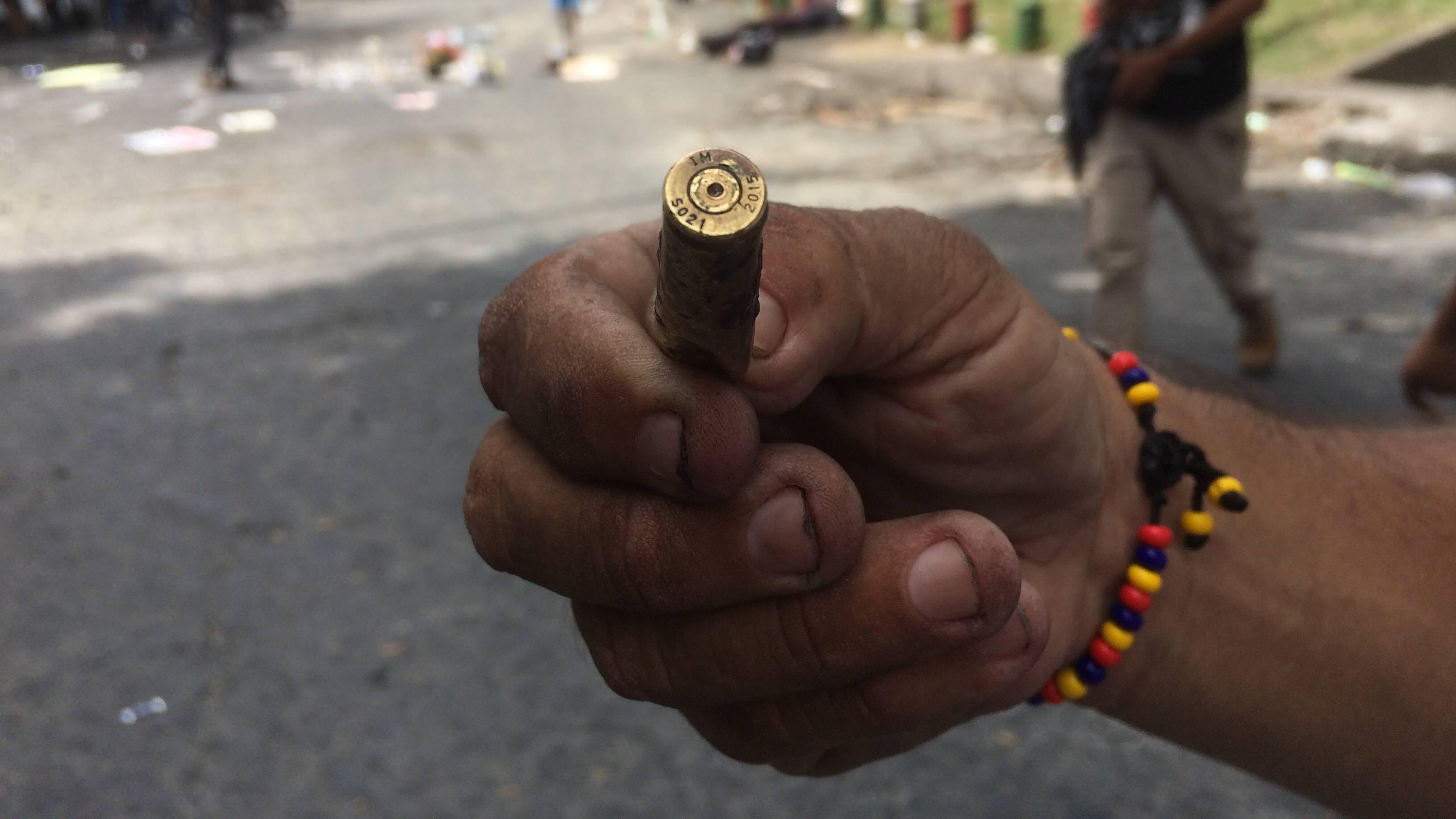 Beweismittel nach dem Polizei- und Militäreinsatz im Stadtviertel Siloé in Cali
