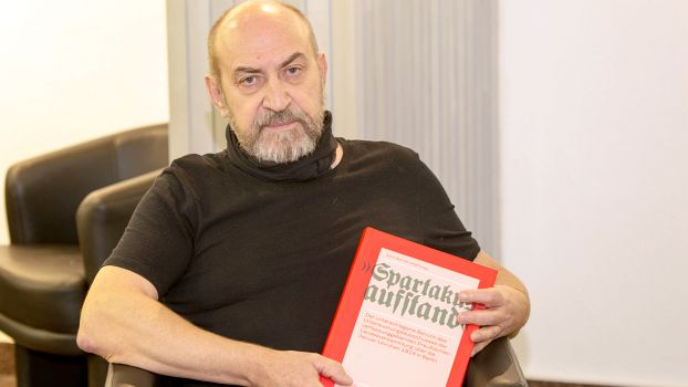 RLS historian Jörn Schütrumpf's new volume disproves the legend of the Spartacist Uprising.